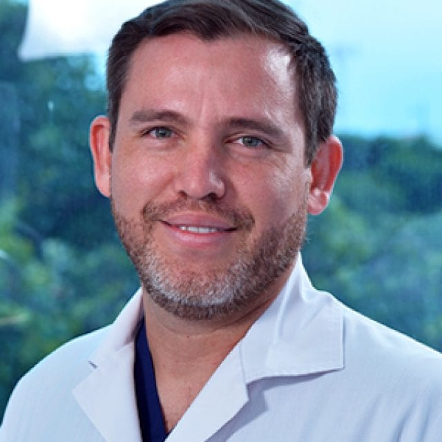 Dr. Mauricio Madrigal